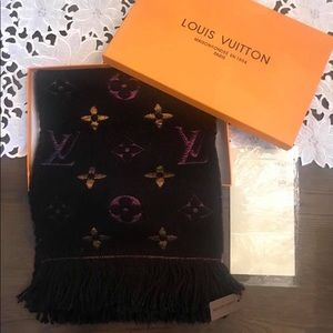 Auth LV scarf